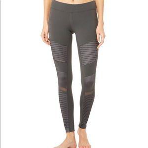 ALO Yoga Moto 7/8 Leggings in Dark Gray SZ M EUC
